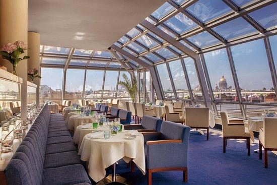 Kempinski Hotel Moika 22: Bellevue Brasserie Restaurant Inside