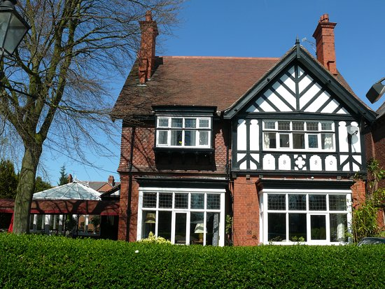 The 10 Closest Hotels To Cheshire Oaks Designer Outlet Ellesmere Port Tripadvisor