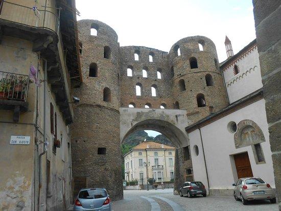 Susa, Italie : Porta Savoia