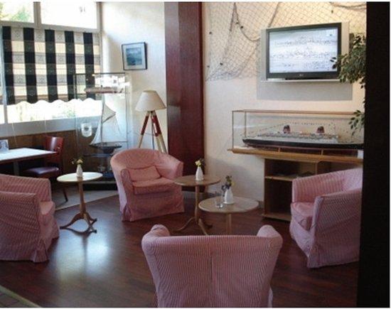 Les Gens de Mer: 625295 Bar/Lounge