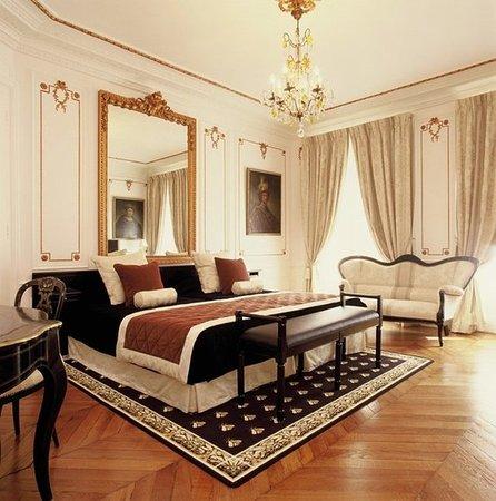 Hotel de Latour Maubourg: 625195 Guest Room