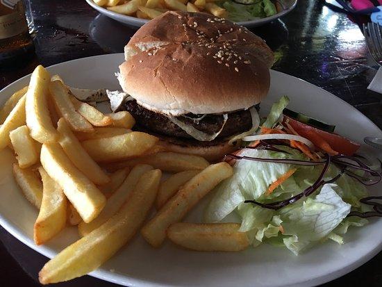 Black Gold Saloon: real burger experience