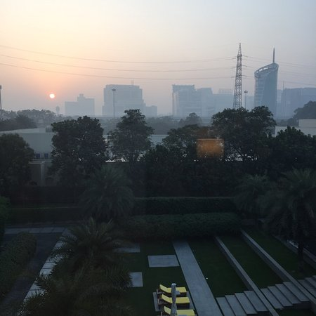 The Oberoi, Gurgaon: Sunrise