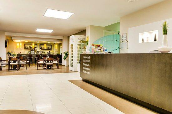 Hotel Don Juan: 001431 Lobby