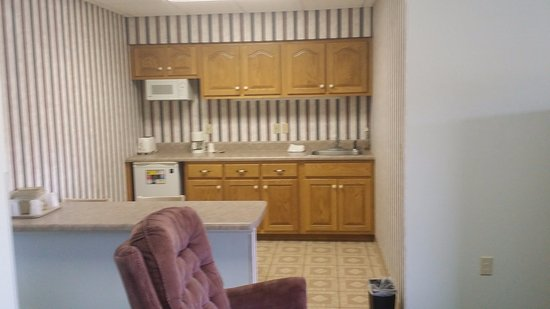 Cookeville, TN: Suite Kitchenette