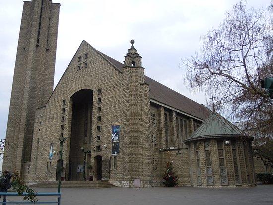 Notre-Dame-de-Fatima-Marie-Mediatrice