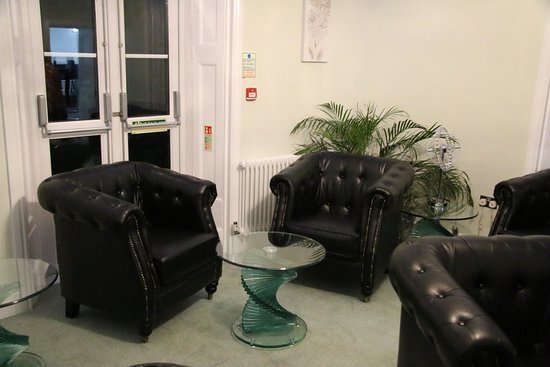 Falfield, UK: Guest lounge