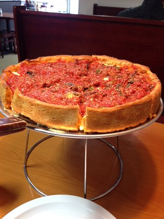 The Best Deep Dish Pizza I Ve Ever Had Pepperoni Sausage Mushrooms And Green Pepper Picture Of Windy City Pizza Virginia Beach Tripadvisor