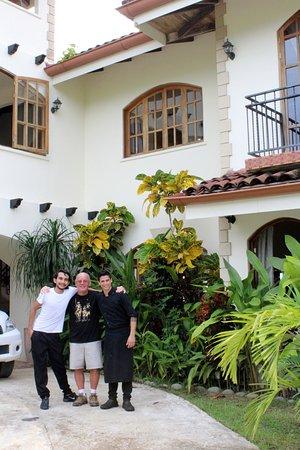 El Castillo Hotel: Goodbye to new friends Gerson & Pablo.
