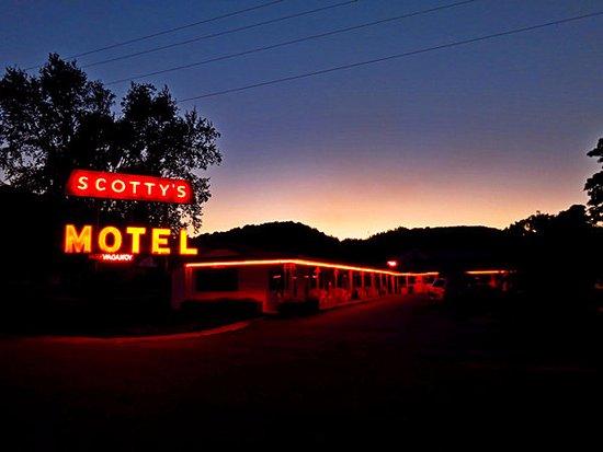 Scotty's Motel Photo