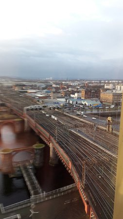 Jurys Inn Glasgow: view of the Clyde and Glasgow central