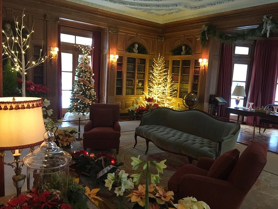 Oldfields-Lilly House and Gardens : December 16, 2016