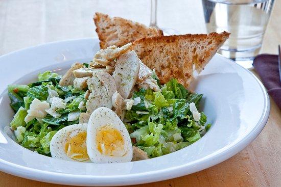 เฟอร์นีย์, แคนาดา: The Loaf Fernie - Caesar Salad