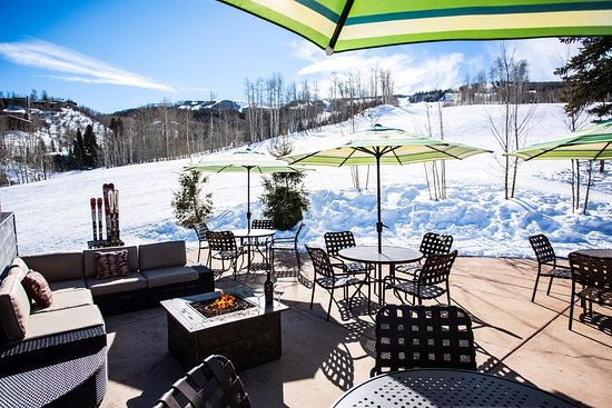 The Timberline Condominiums: Outdoor rest area