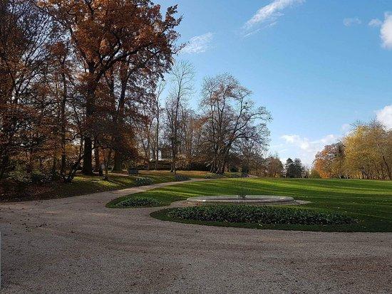 le chalet suisse picture of parc du peintre gustave caillebotte yerres tripadvisor