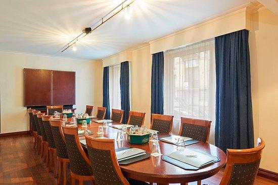 Woluwe-St-Pierre, Belgium: 623640 Meeting Room