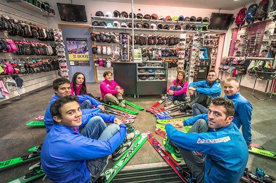 Peak Sport Adventure - Ski & Snowboard Rental & Shop: il team del noleggio Peak Sport Adventure inverno 2016-2017