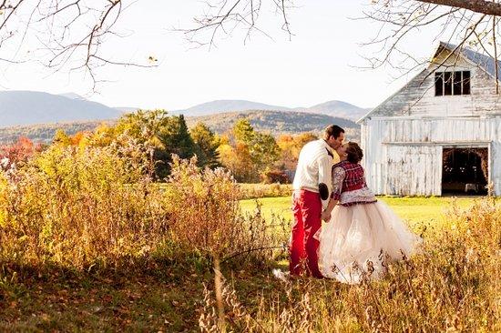 Mountain Village Farm B&B: Rustic Barn Weddings