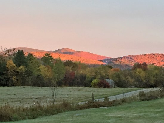 Mountain Village Farm B&B: Foliage Season - Spectacular!
