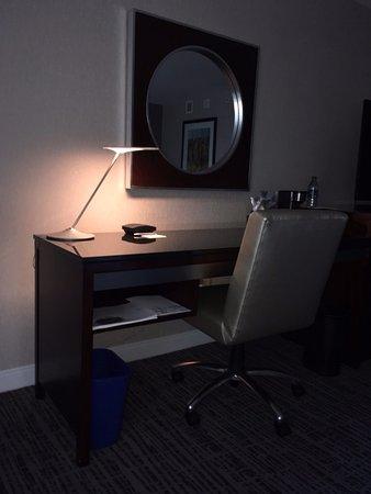 The Westin Alexandria: Work Desk