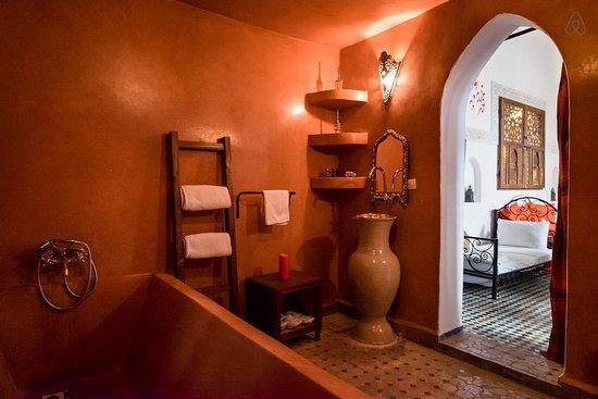 Riad Jamai: Salle de bain Paprika Riad Jamaï