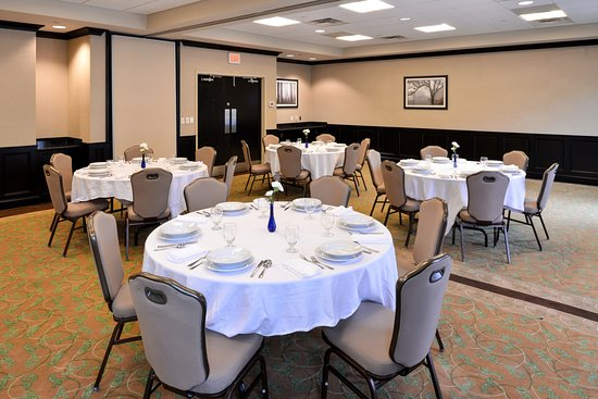 Holiday Inn Express Hotel U0026 Suites Halifax Airport: Perfect For A Round  Table, Training