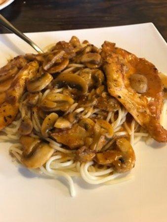 Italian Garden Dining: Chicken Marsala