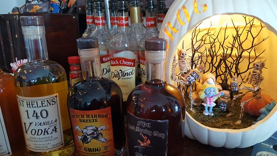 Saint Helens, OR: Halloween at Ye Olde Grog Shop