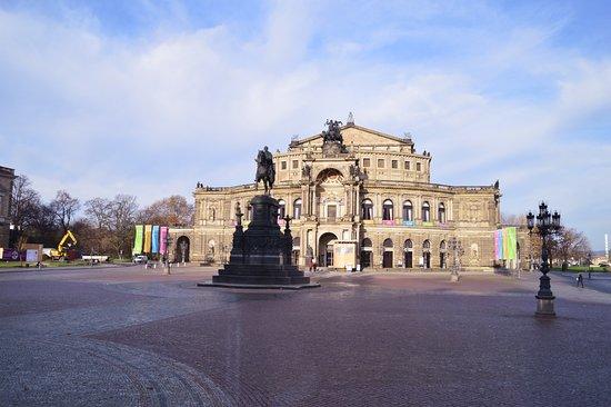 Maritim Hotel Dresden: città pulita e silenziosa.
