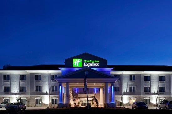 Le Roy, IL: Hotel Exterior