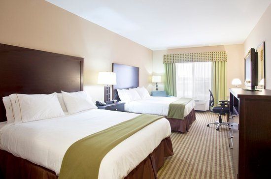 Le Roy, IL: Double Bed Guest Room