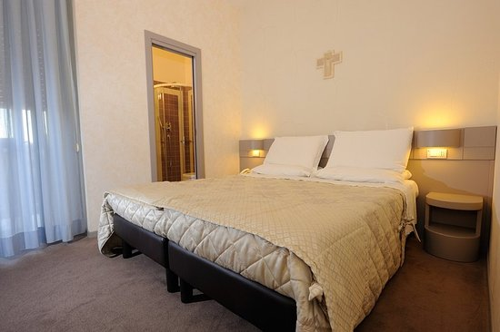 Frate Sole: 000714 Guest Room