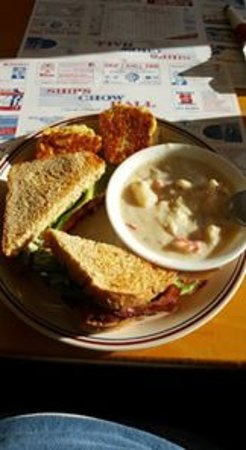 Wiscasset, ME: Lenny's Chowdah with toasted biscuits and a BLT with homemade wheat bread