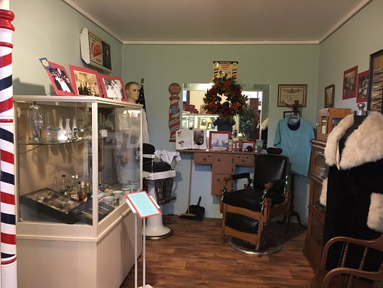 Lewis County Historical Museum: Barber shop
