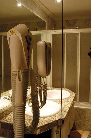 emperatriz iii guest room