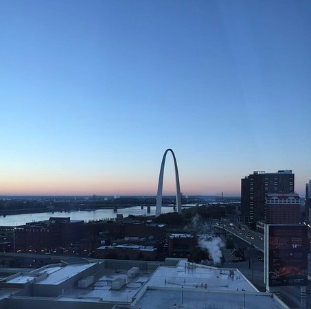Four Seasons Hotel St. Louis: St. Louis Arch