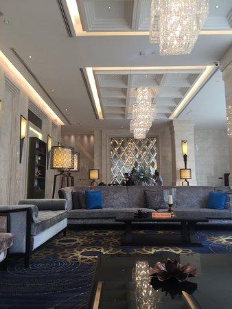 Grande Centre Point Terminal 21: โรงแรมแกรนด์ เซ็นเตอร์พ้อยท์ เทอมินัล21 ห้องสวยครับ มีเครื่องซักผ้าให้ด้วย สระว่ายน้ำผ่อนคลาย ฝุ