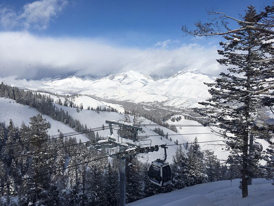 Sun Valley, Айдахо: View from the Roundhouse.