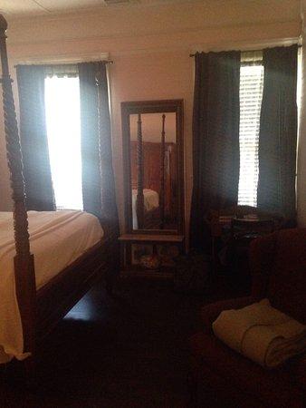 Coombs House Inn: photo3.jpg