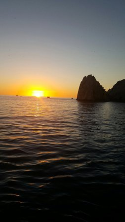 Caborey Sunset Dinner Cruise: Beautiful sunset.
