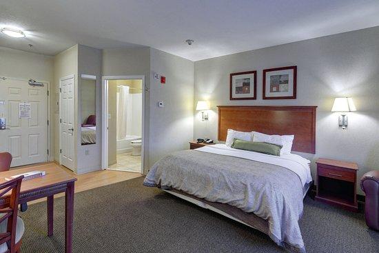 เอนเตอร์ไพรซ์, อลาบาม่า: King Bed Guest Room