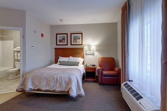 Enterprise, AL: Single Bed Guest Room