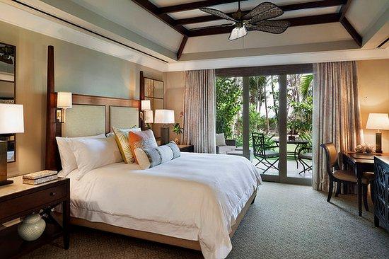 The St. Regis Bahia Beach Resort: Guestroom
