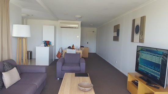 Edge Apartment Hotel Rockhampton: 20161217_135925_large.jpg