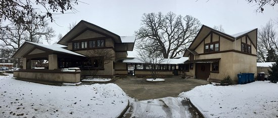 Kankakee, IL: Panorama (L to R) main house and the breezway leading to the carriage house,