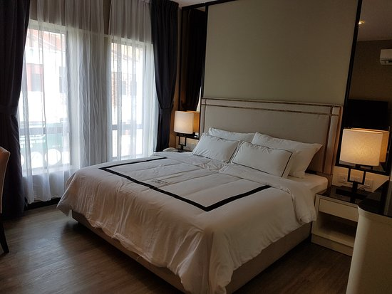Corsica Hotel