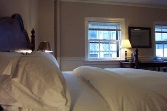 Hotel 340: Hotel Room Photo
