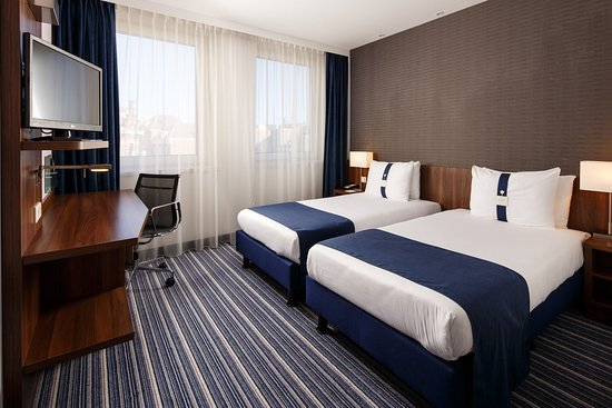 Stylish Single Beds stylish two single beds nonsmoking room - picture of holiday inn