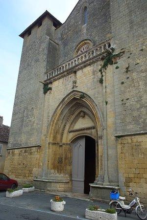Saint-Laurent-et-Saint-Front Church照片