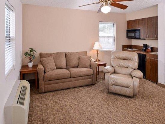 Geneva, ألاباما: Suite Living Room